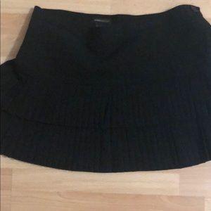 BCBG size 4 black tiered skirt